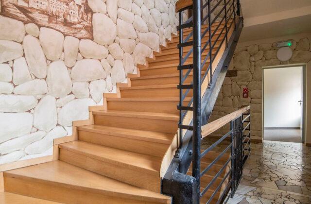 korytarz hotelu Zamkowy Młyn