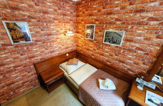 pokój jednoosobowy Hotel Krapkowice