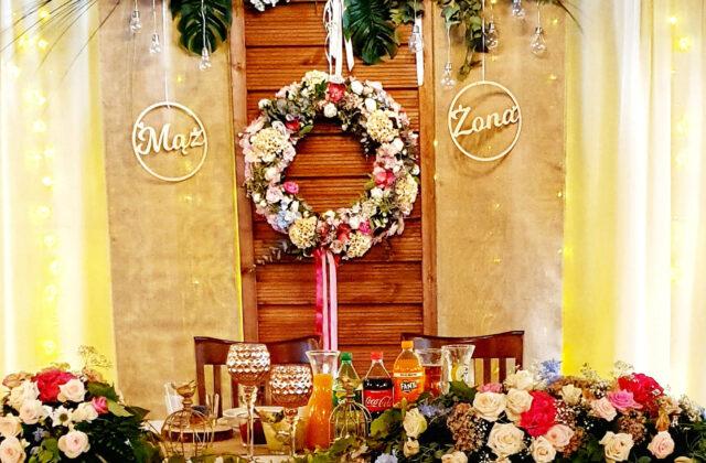 sala weselna - stół prezydialny